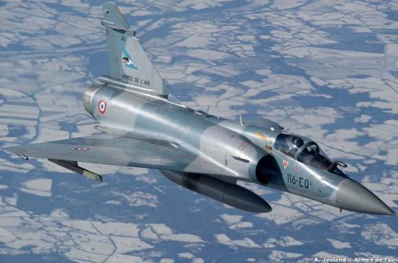 Mirage 2000-5 do esquadrão Cigognes em voo - foto Força Aérea Francesa