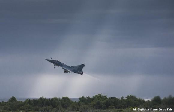Mirage 2000C esq Ile de France na Corsega - foto 2 Força Aérea Francesa