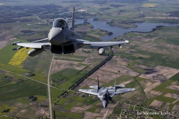 Typhoon e MiG-29 na Lituânia - foto 4 via MD Polônia