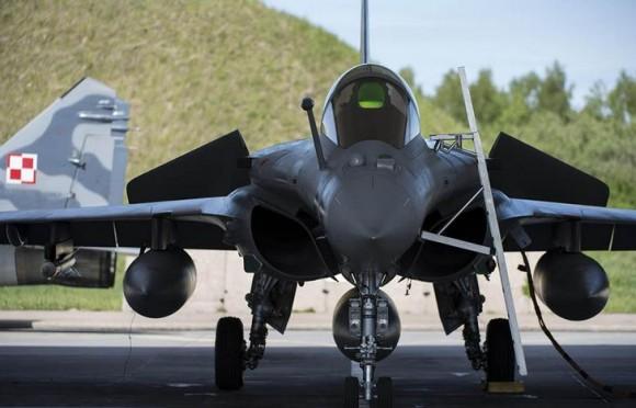 caça Rafale desdobrado na Polônia - foto 3 Força Aérea Francesa