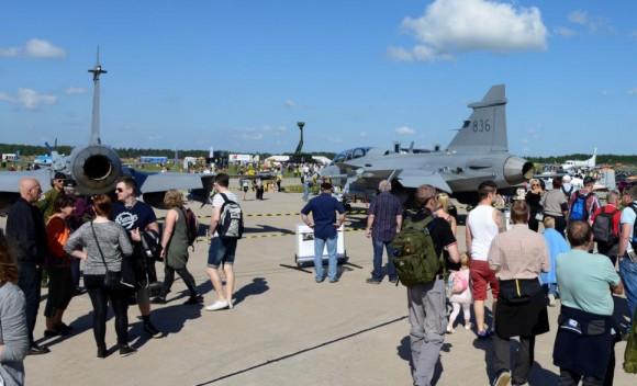 70 anos da ala F 17 - foto via Gripen Blog