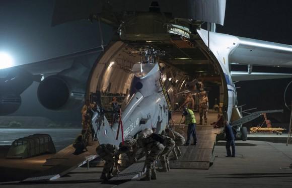 Antonov 124 embarca helis Caracal e Puma - foto 3 Força Aérea Francesa