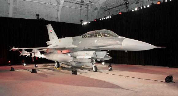 F-16 Iraque - aceitação oficial - foto via Code One Magazine