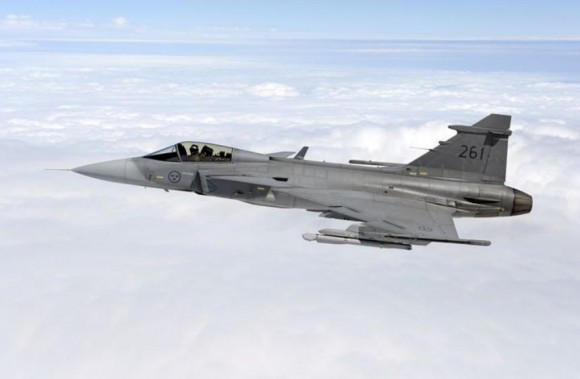 Gripen com ESTL - primeiro voo - foto 2 Saab