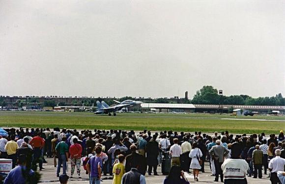 Su-27 UB decola em Le Bourget 1989