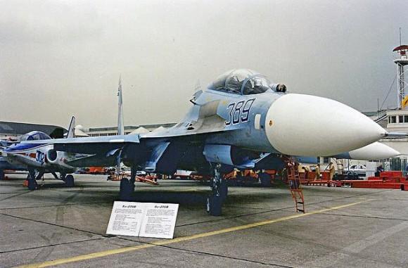 Su-27 UB e Su-27 no Salão de Le Bourget 1989