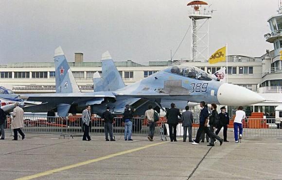 Su-27 UB no Salão de Le Bourget 1989