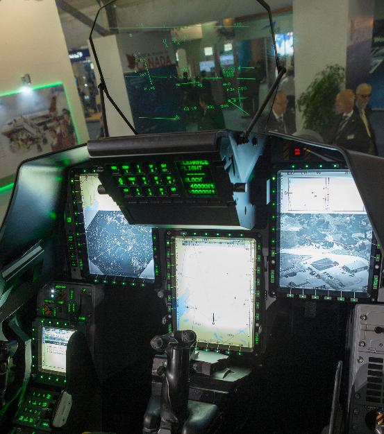 Farnborough - maquete Gripen - foto 12 Saab