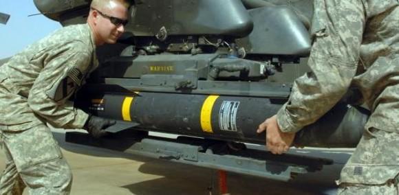 Hellfire sendo carregado - foto US Army