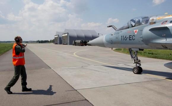 caça Mirage 2000 francês em Malbork - Polônia - foto Min Def França