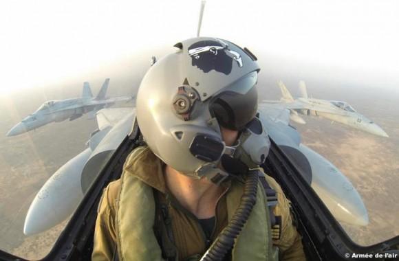 caças Mirage 2000 e F-18 no Dijibouti - foto Força Aérea Francesa