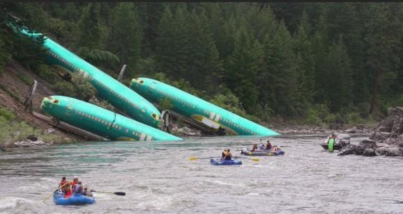 trem descarrila e derruba tres fuselagens no rio - foto reuters