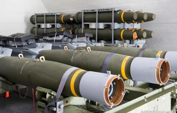 Artic Thunder - armamentos para caças Rafale na Noruega - foto Força Aérea Francesa