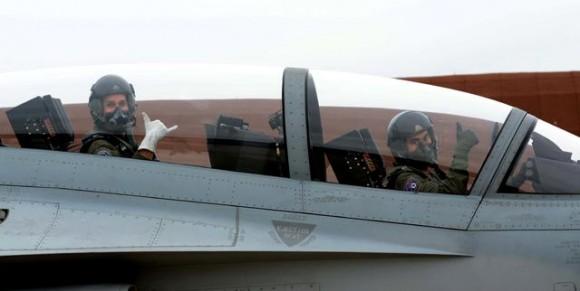 Equipe do T-X da USAF avalia TA-50 na Coreia do Sul - foto MD sul-coreano