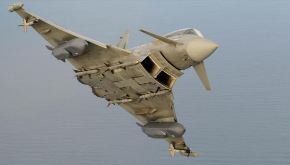 Eurofighter Typhoon com míssil Storm Shadow - foto Eurofighter