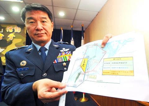 Hisiung Hou-chi do comando de combate de Taiwan mostra mapa - foto Taipei Times