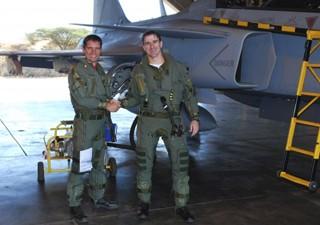 Major Leite e Gripen - foto FAB via G1