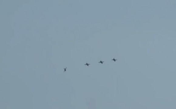 Operação Sabre - exercício de combate BVR - caças F-5EM em voo - cena vídeo FAB