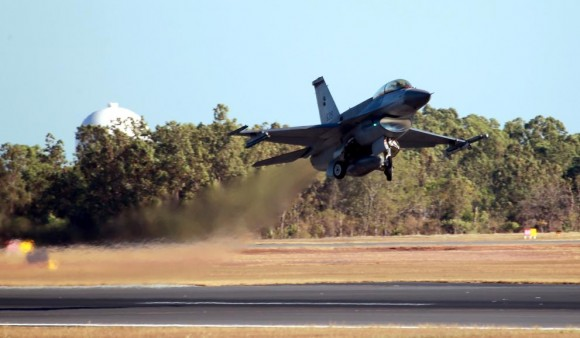 Pitch Black 14 F-16 de Cingapura - foto MD Australia