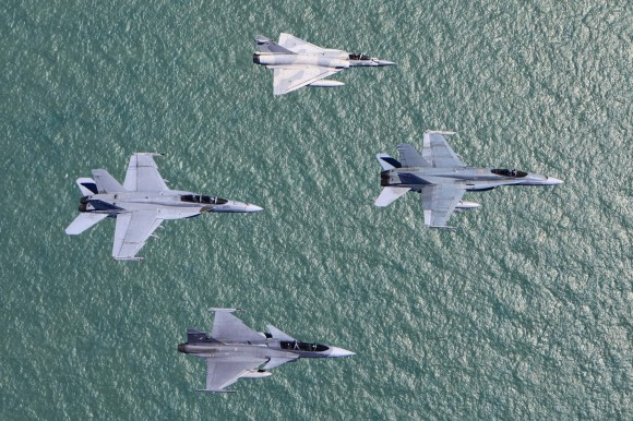 Pitch Black 2014 - Hornet - Super Hornet - Mirage 2000-9 - Gripen -  foto 2 MD Australia