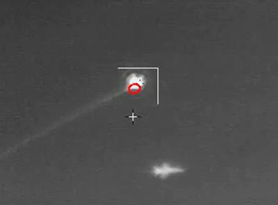 QF-16 com míssil atingindo coordenadas próximas - foto Boeing