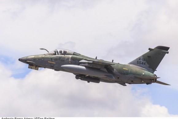 RA-1 em voo - foto ten Enilton - ag Força Aérea - FAB