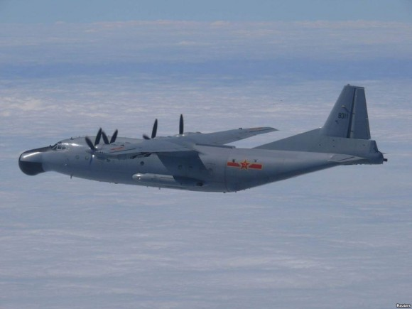 Y-8 chinês - foto via Reuters