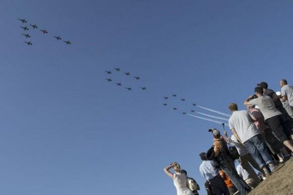 24 caças F-5 fazem numero 100 comemorativo em Payerne AIR 14 - foto Força Aérea Suíça