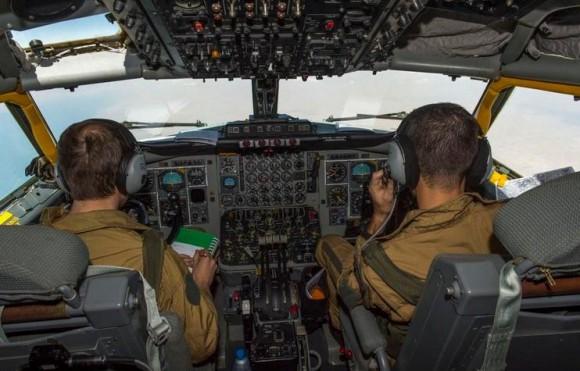 C135 francês - painel - segundo voo reconhecimento Iraque - foto Força Aérea Francesa