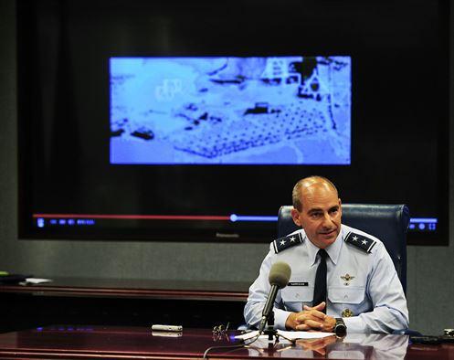 General Jeffrey L Harrigian fala em 29 de setembro sobre missões contra EI na Síria - foto 2 USAF