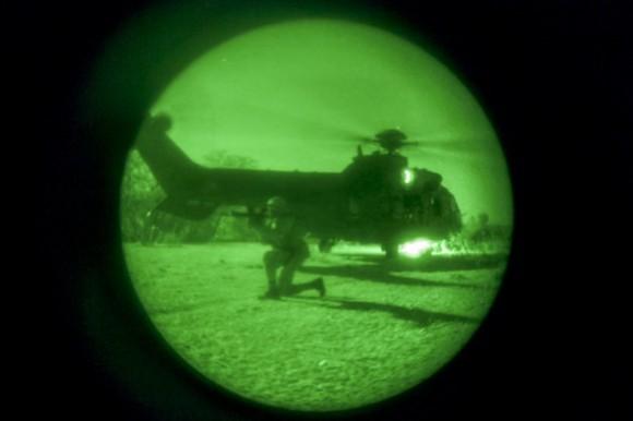 H-36 Caracal em missão noturna inédita - foto 2 FAB