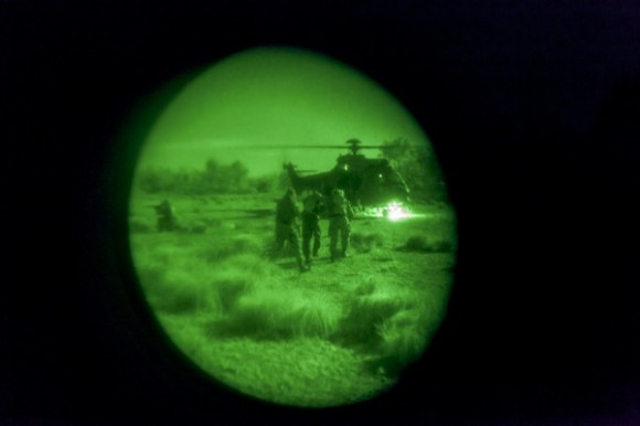 H-36 Caracal em missão noturna inédita - foto 3 FAB