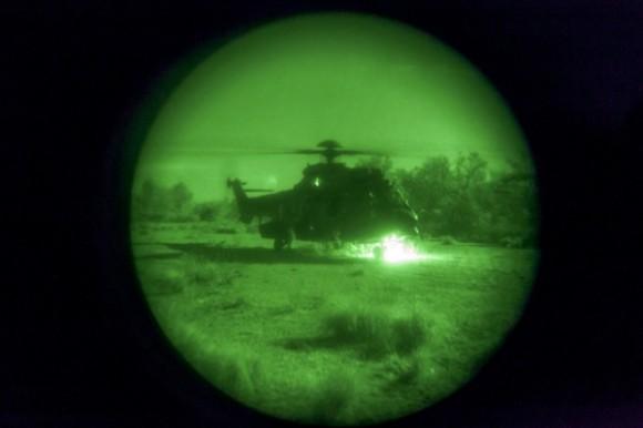 H-36 Caracal em missão noturna inédita - foto FAB