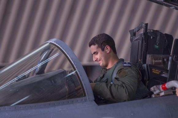 Príncipe Khaled bin Salman da Arábia Saudita em caça após missõa na Síria - foto Saudi Press Agency - AFP