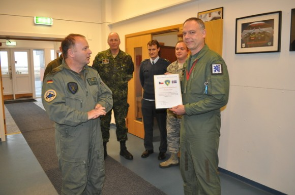 Caças Gripen tchecos operando na Islândia - declaração FOC - foto 2 Min Def República Tcheca