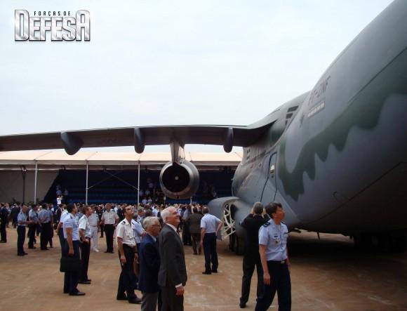 KC-390 - roll out - 21-10-2014 - foto 10 Nunão - Forças de Defesa