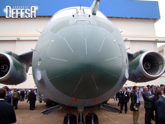 KC-390 - roll out - 21-10-2014 - foto 12 Nunão - Forças de Defesa