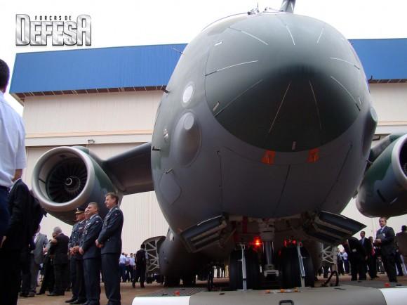 KC-390 - roll out - 21-10-2014 - foto 13 Nunão - Forças de Defesa