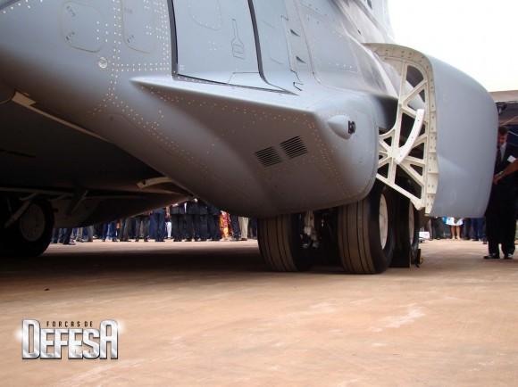KC-390 - roll out - 21-10-2014 - foto 16 Nunão - Forças de Defesa
