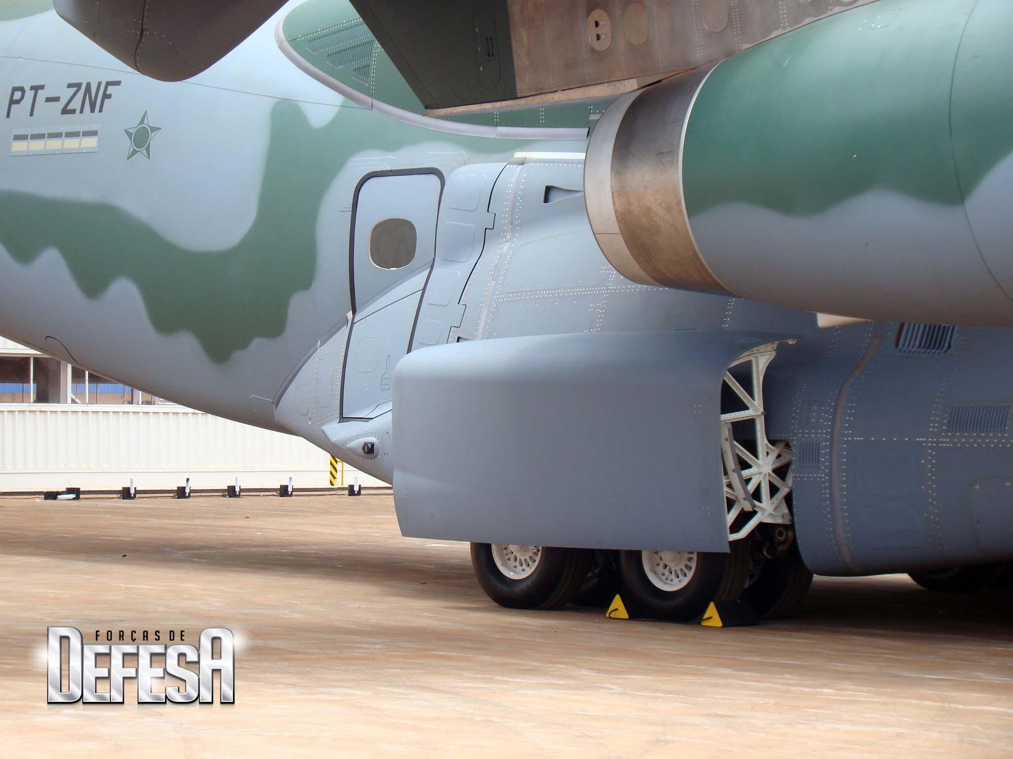 KC-390 - roll out - 21-10-2014 - foto 17 Nunão - Forças de Defesa