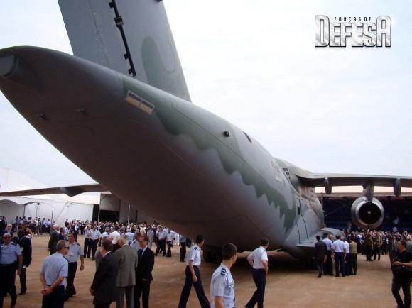 KC-390 - roll out - 21-10-2014 - foto 18 Nunão - Forças de Defesa