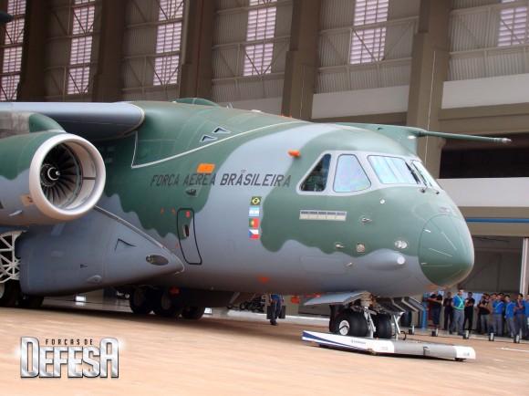 KC-390 - roll out - 21-10-2014 - foto 3 Nunão - Forças de Defesa