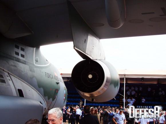 KC-390 - roll out - 21-10-2014 - foto 8 Nunão - Forças de Defesa