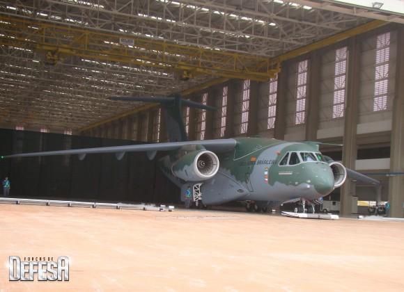 KC-390 - roll out - 21-10-2014 - foto Nunão - Forças de Defesa
