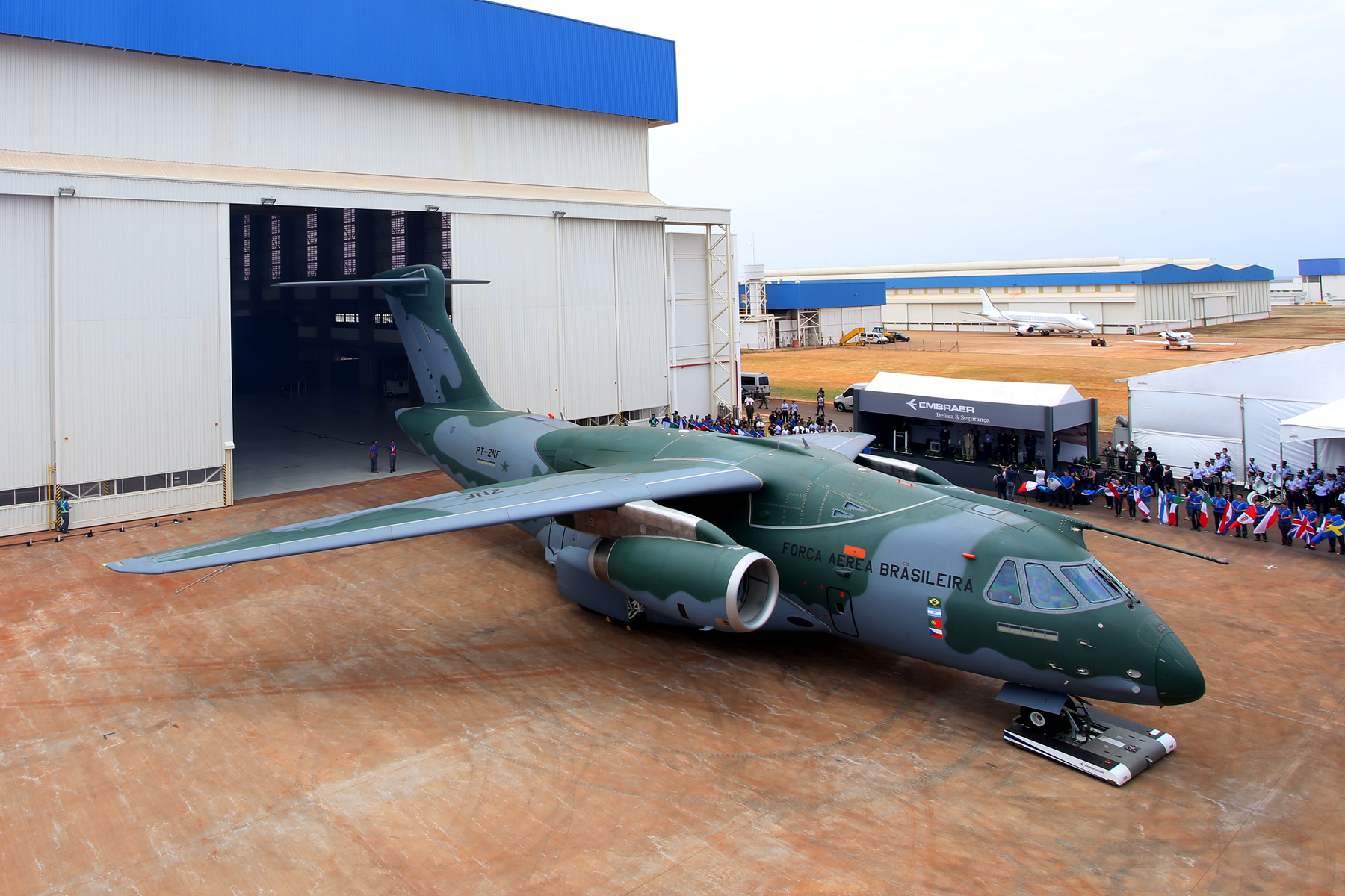 KC-390 roll-out 3