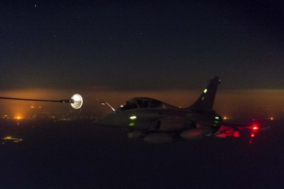 Rafale - primeira missão noturna na operação Chammal - foto 2 Min Def França