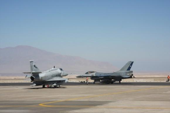Salitre 2014 - F-16 MLU - A-4AR - foto ten Humberto - Ag Força Aérea - FAB
