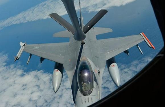 Salitre 2014 - REVO de F-16 - foto 2 FACh