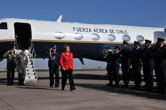 Salitre 2014 - chegada presidente Bachelet - foto FACh