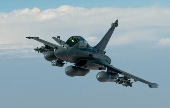 caça Rafale em missão  - foto  Min Def França